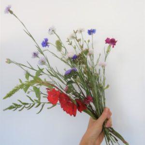 Bouquet de fleurs locales de saisons